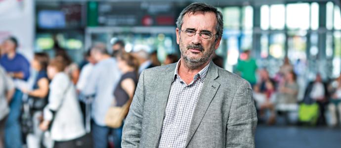 Manuel Cruz a l'estació Joaquim Sorolla de València. FUT 31, p. 28-32.